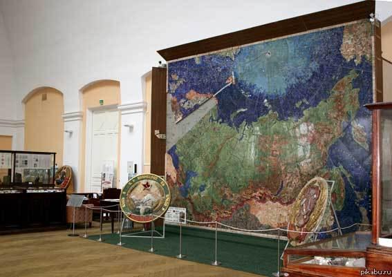 Карта СССР из цветных камней